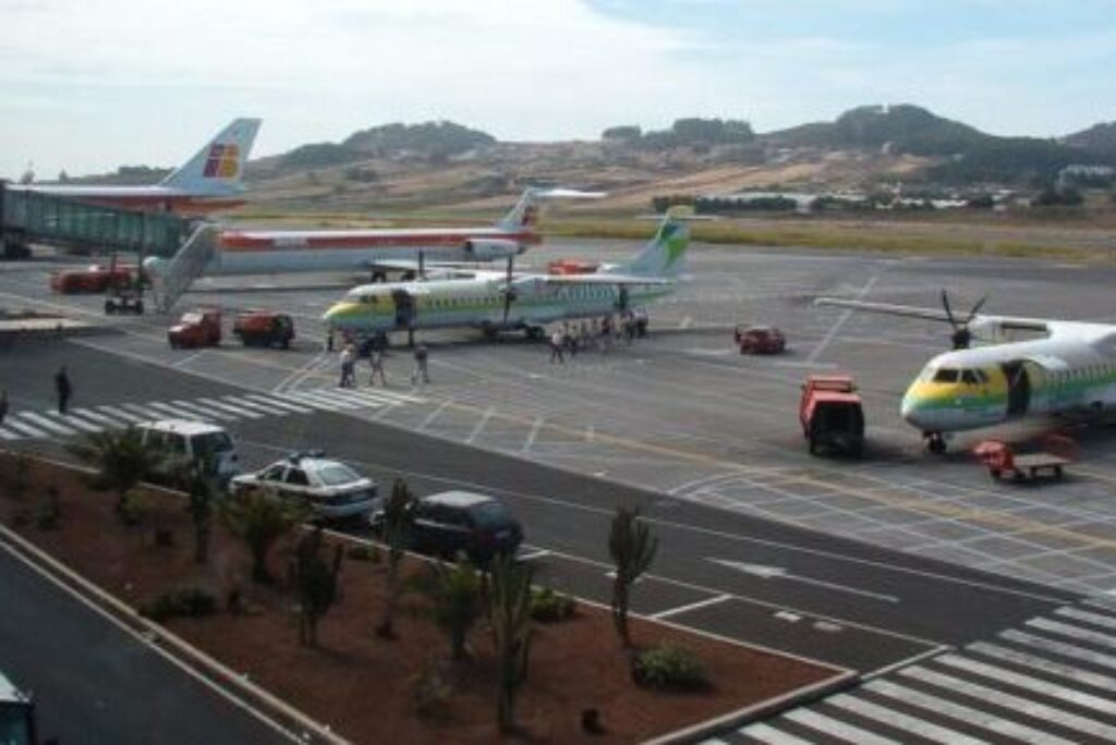The airports of Tenerife